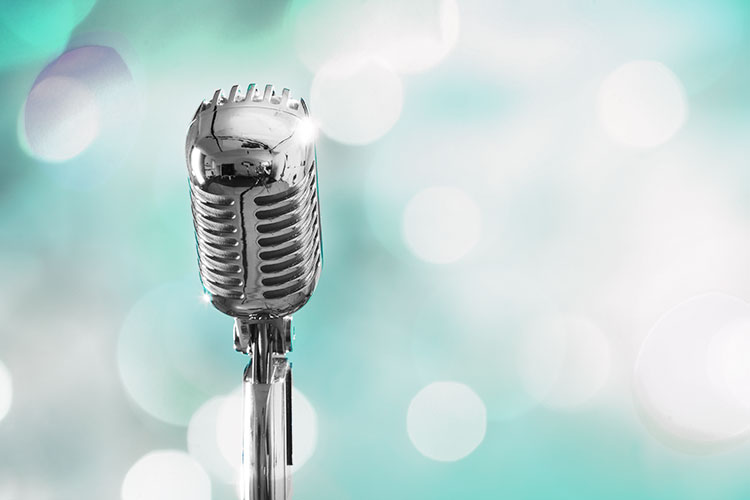 Top Pop Music Blog Microphone